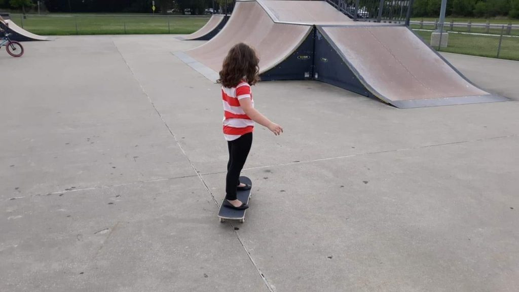 Skateboard for Boys And Girls: How to Choose and Learn?
